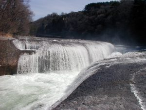 東洋のナイアガラ「吹割の滝」