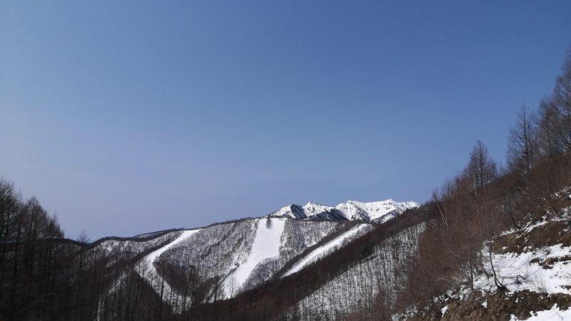 岩鞍西山 まだ 雪いいねぇ〜